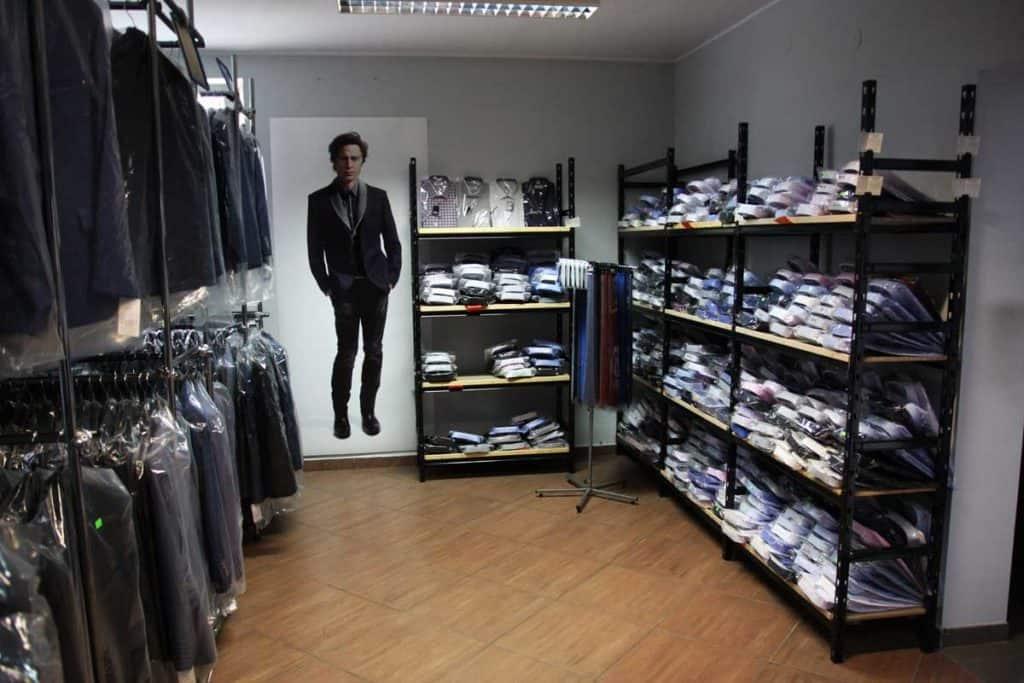 duży wybór koszul, sprzedaż hurtowa, sklep poznań, krawaty, muszki, koszule slim fit, klasyczne, białe, czarne, w paski, w kratkę, we wzory